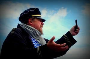 Kapteeni Viik (Aapo Halme). Kuva: Jouni Ojutkangas.